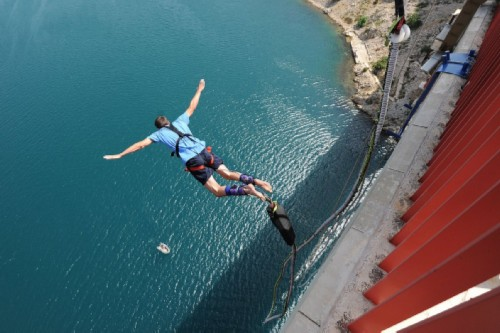 bungee-jumping-zzuum.jpg