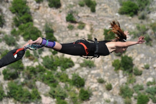 bungee-jumping-on-maslenica-bridge-zzuum.jpg